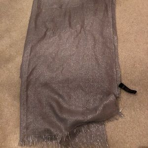 Banana Republic Grey Silver scarf